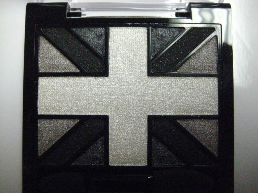 Rimmel Glam'Eyes HD Eye Shadow Quad in 001 Black Cab