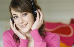 Customized form messages? Pretty In Pink Headphone Gal likes the sound of that!