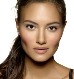 Seriously, if I had her cheekbones, I wouldn't wear makeup!