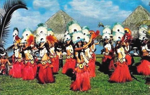 Traditional Tahitian Dancers