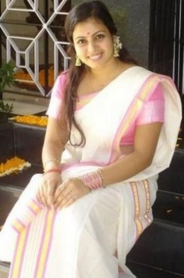A mallu female in a decent saree from Kerala