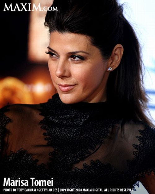 THIS IS NOT A VINTAGE CAR. THIS BEAUTY IS MARISA TOMEI. I JUST THREW HER IN TO GIVE MY GUY READERS A SMILE.