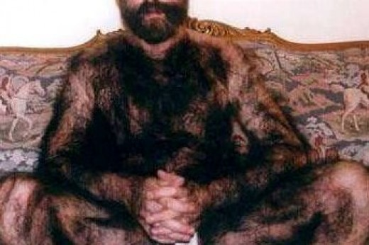 Do you have something like this going on with your chest hair? Then you really, really need to buy yourself a nice hair trimmer!