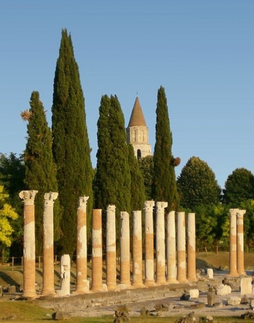I love these Italian Cypress among the ancient Roman Colomns in Italy.