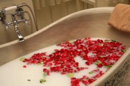 Bath experience with scented rose petals & bubbles