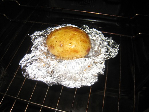 Baked potatos are a tasty meal that are easy to cook. That can be eaten on their own or as an accompanyment to meat, fish or other dishes