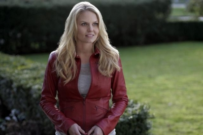 The Hero, Emma Swan