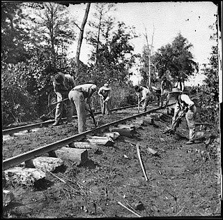 Congress working on the Chinese railroad