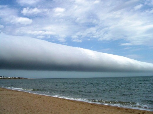 A unique sight: solo roll cloud over Uruguay's Las Olas beach captured in 2009.              Photo: Daniela Mirner Eberl