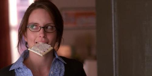 Liz Lemon with a pop tart