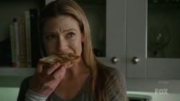 Olivia Dunham eating toast hehehe  3
