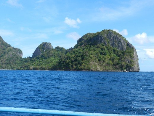 Once you choose a tour you will be treated to a bevy of islands dotting the landscape which are good for swimming, hiking, camping, eating, or just relaxing in the sun.