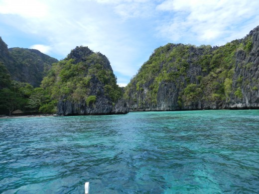 Those who come to El Nido and go on the right tour will be treated to this beautiful entrance to Big Lagoon.