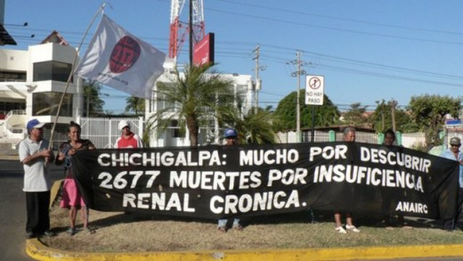the workers at Ingenio San Antonio demonstrate