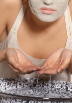 How to Get Rid of Acne and Get Clear Skin with an Aspirin Mask