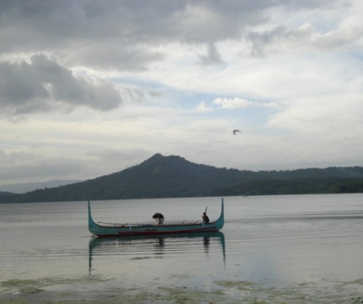 boatmen ready to take u around the Taal Lake and to Taal Volcano site...