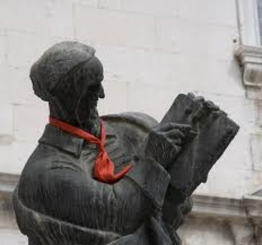 MM at the Fruit Square in Split, also by Ivan Meštrović.The tie on the sculptor is worth noting, since Hrvatska gets its name from its citizens' kravats (or ties) when serving in France.