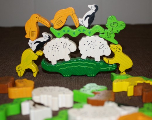 Tier auf Tier (Animal upon Animal), a great way to teach kids how to balance, stack, and identify objects.