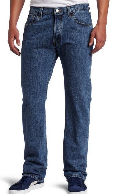 Picture of model wearing Levi's 501s - Besides the classic fit, this is a great example of how your jeans should look like. Worn just at the right spot at the hips and the hemline does not smother the shoes