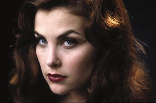 Sherilyn Fenn as Helena