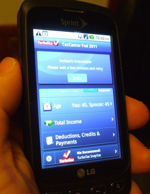 Smartphones running mobile apps that help you get a tax return estimate are becoming more common.