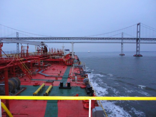 Do not transfer oil while maneuvering the ship