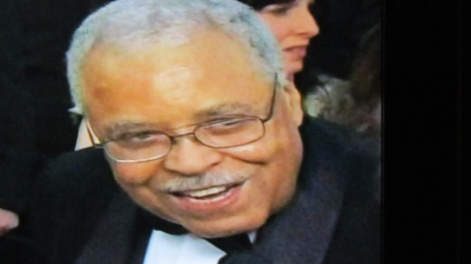 James Earl Jones is being interviewed on the red carpet about his Life Time Achievement Award