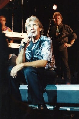 Davy Chatting up the Crowd in Hershey - 2005