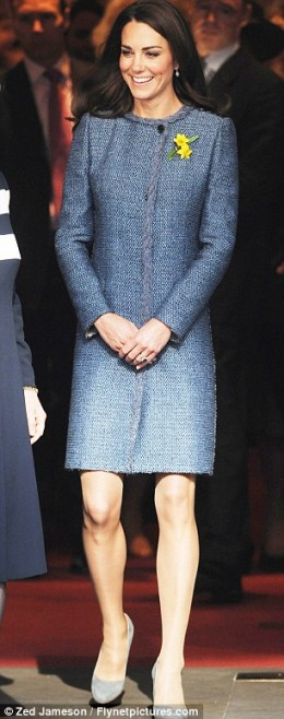 Kate and the disintegrating coat from Missoni