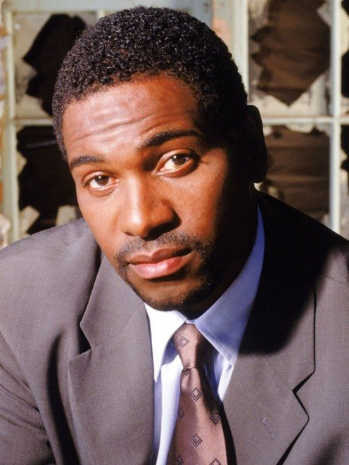 Mykelti Williamson as Desmond