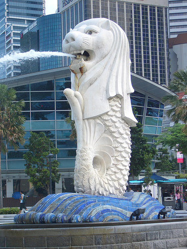 The Merlion is the symbol of Singapore and visible on the city tour.