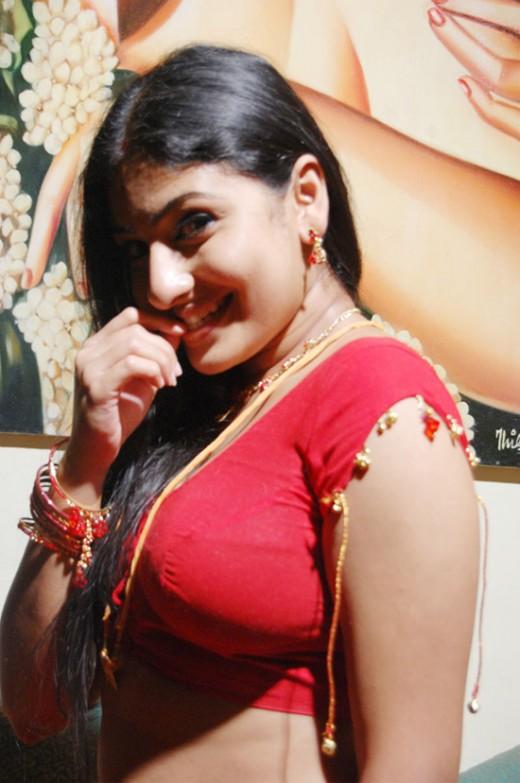 Tamil Actress Monika Without Blouse