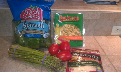 Ingredients for garlic cheese pasta (vegetarian style)