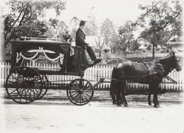 Funeral Hearse-Wikipdia.jpg