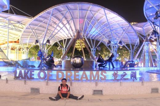 lake of dreams singapore
