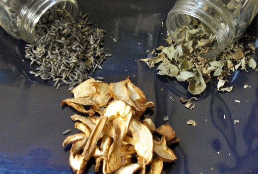 Dried lavender, marjoram and mushrooms