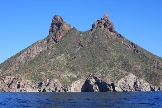 Another view of Las Tetas