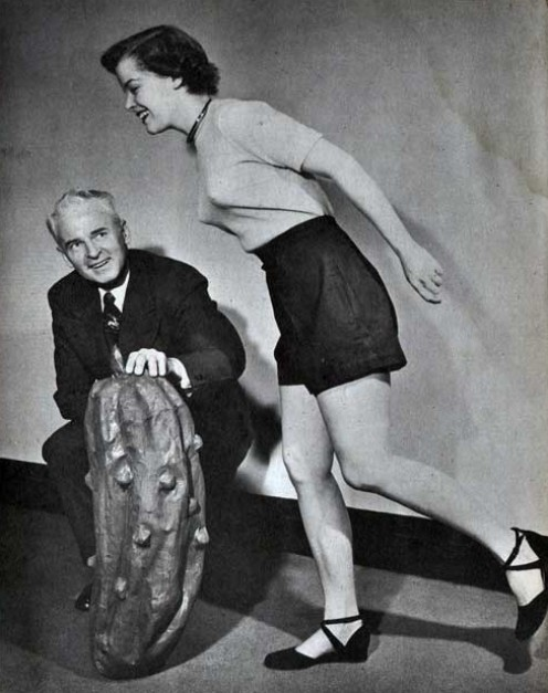 EVEN OLD GUYS CAN BE PLAYBOYS IF THEY ARE IN GOOD SHAPE. SEE HOW THIS YOUNG WOMAN FLIRTS WITH THIS OLD GUY?