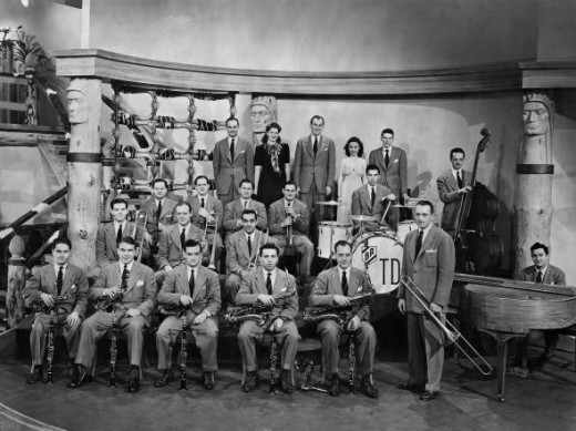1941 Tommy Dorsey Orchestra Sinatra stands at back right