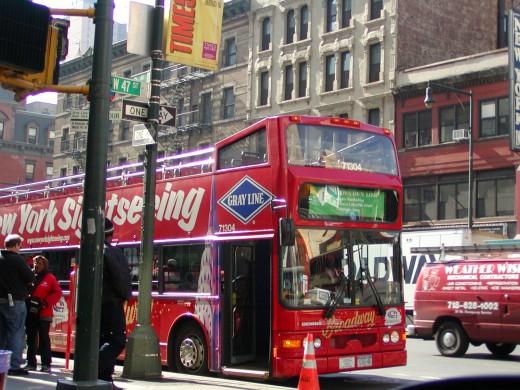 NYC sightseeing bus © Eric Heifetz