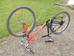 How to Fix a Puncture  on a Bike - 10 Steps With Pictures