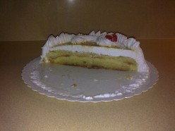 Cake with Meringue Topping
