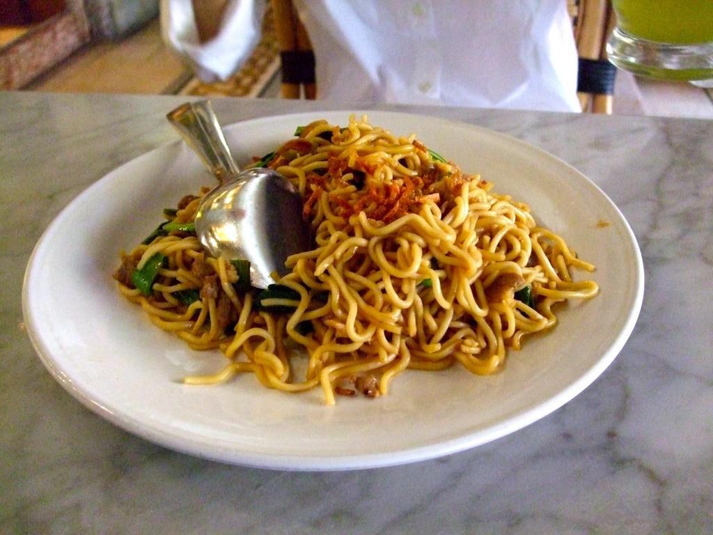 Indonesian Stir-Fried Noodles Recipe (Mie Goreng)