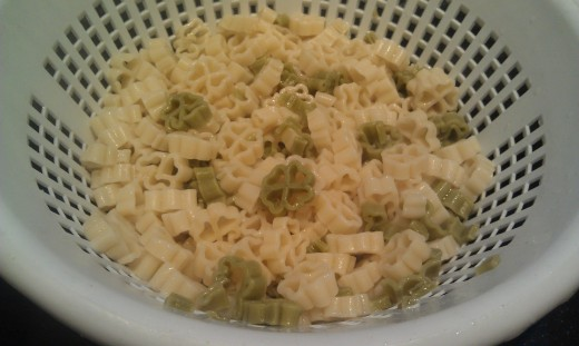 Cooked shamrock pasta holds its shape!