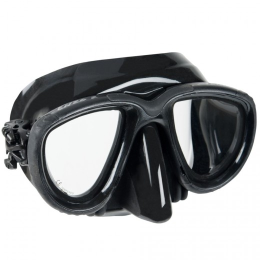 Dive Mask - The human eye cannot focus in water. The mask provides an air pocket so your eyes can focus and you can see clearly underwater.