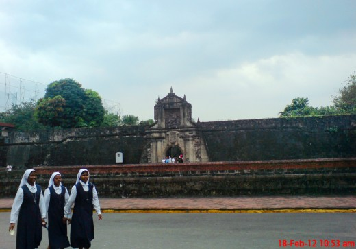 lucky to have taken this shot of Fort Santiago while these 3 foreign nuns walked by :)