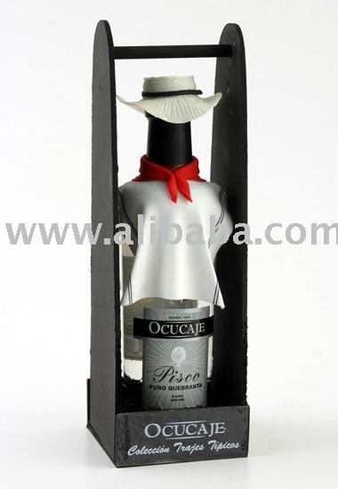 Pisco from Ocucaje's  typical costume collection.