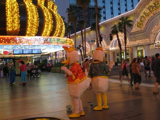 More interesting characters on Fremont Street!