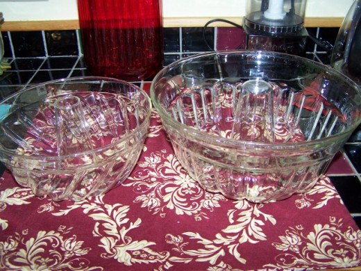 Glass bundt pans