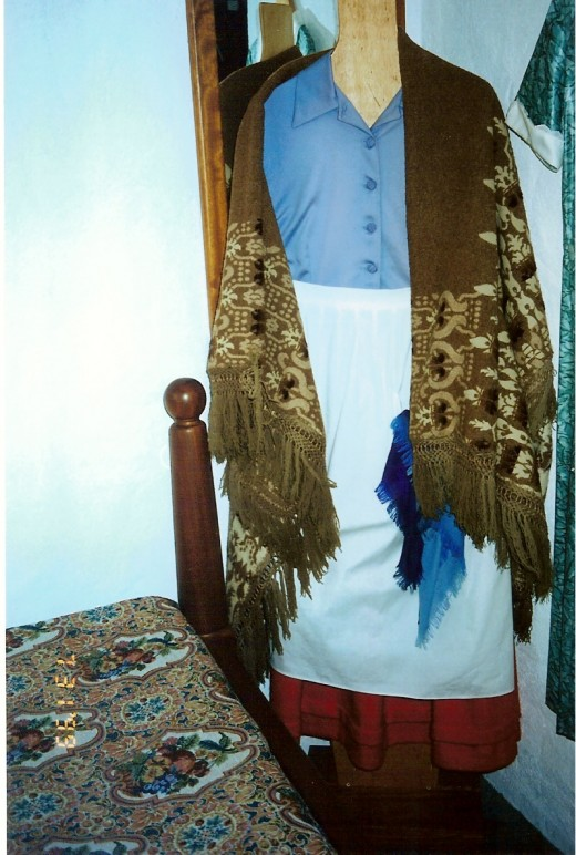 Maureen O'Hara, or should I say Mary Danaher's shawl